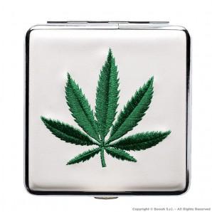 PORTASIGARETTE BIANCO IN METALLO GREEN CANNABIS LEAF - CUSTODIA | IDEA REGALO FUMATORE 8,96€