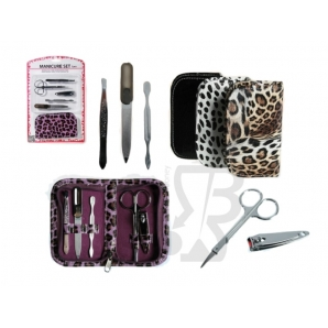 "SET PER MANICURE IN ASTUCCIO IN PLASTICA ANIMAL PRINT "" MACULATO"" 10,99 €"