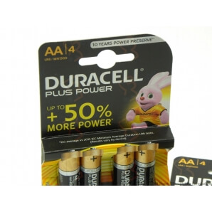DURACELL BATTERIE AA PLUS POWER STILO ALCALINE 1,5V - 1 BLISTER DA 4 PILE 2,49 €