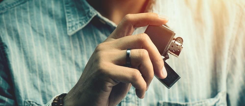 Vendita Online di Accendini a Benzina Zippo Accessori Assortimento Articoli per Fumatori