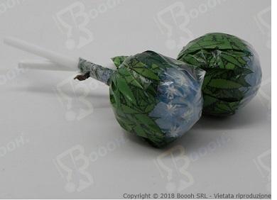 Immagine di proprietà della Boooh Srl. Cannabis Lollipops al Mirtillo